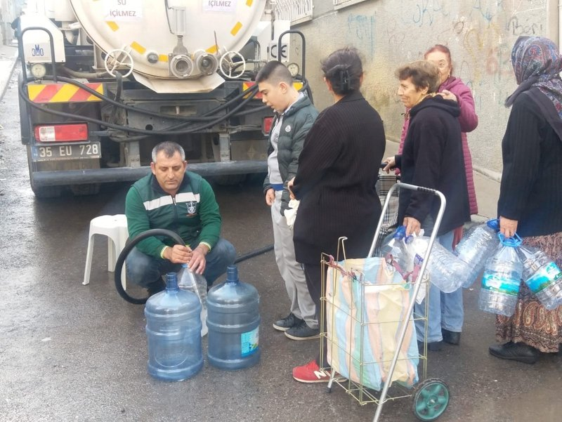 İzmir'de su kesintisi ne kadar devam edecek? İZSU'dan su kesintisi açıklaması