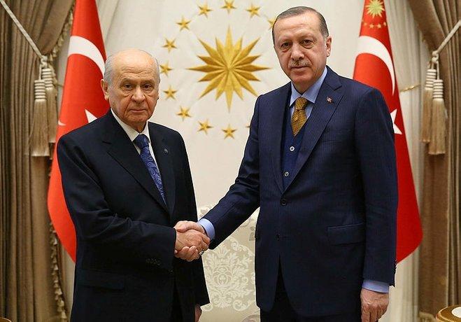AK Partinin ittifak komisyonu üyeleri belli oldu