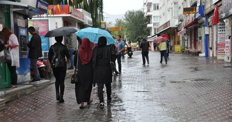 İzmir ve Ege'de hava nasıl olacak? Meteorolojiden kuvvetli yağış uyarısı