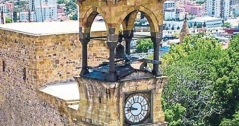 Bu kulelerde saat hep Osmanlı'yı gösteriyor
