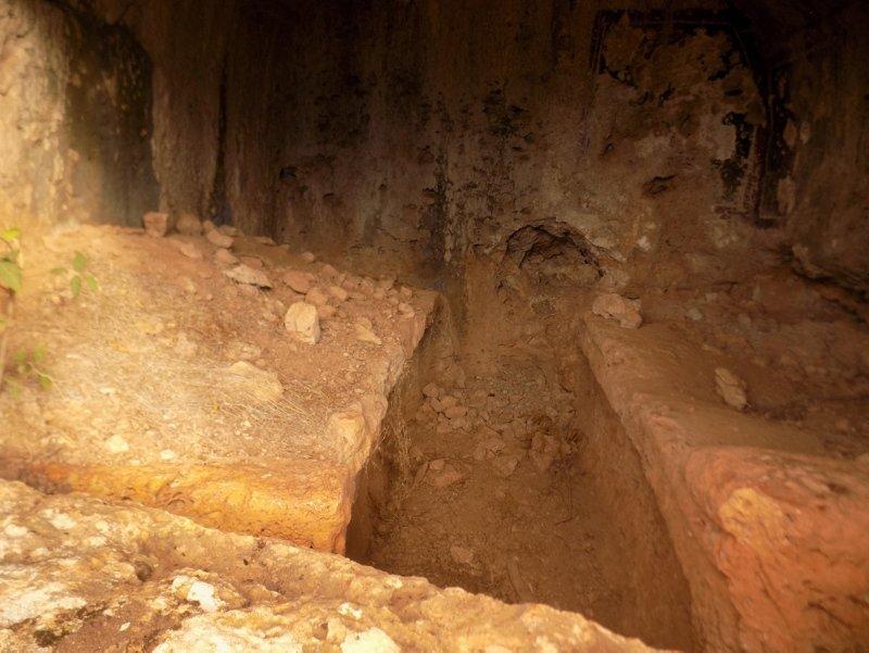 Aydın'da defineciler tahrip etti! 2 bin yıllık Hz. İsa resmi...