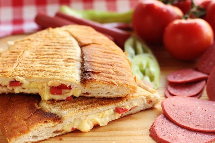 Çift kaşarlı tost kaç kalori? Hangi tost kaç kalori? İşte o liste