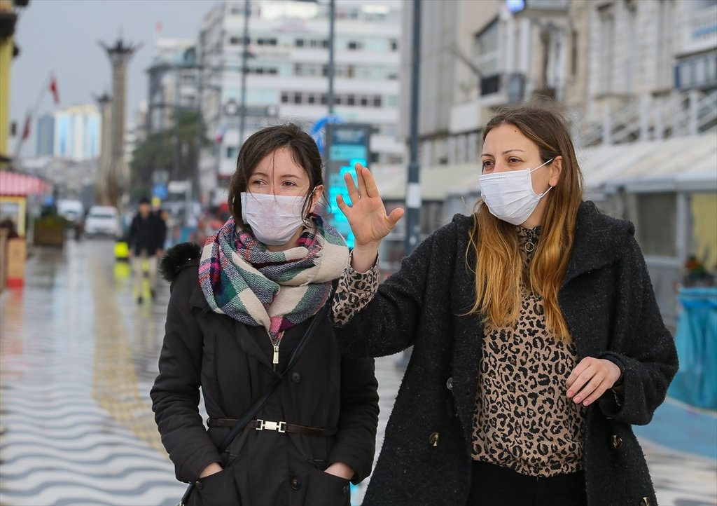 Çin Türkiye'den 200 milyon maske talep etti! Pazar günü bile çalışıyorlar