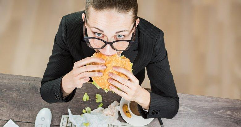 Fazla kiloların sebebi bu olabilir! Uzmanından önemli uyarı