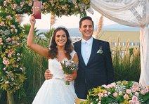İzmir sosyetesi düğünde buluştu