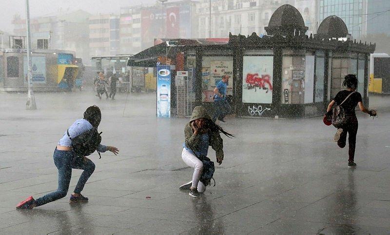 İzmir'de hava nasıl olacak? Meteoroloji'den bu bölgelere kuvvetli yağış uyarısı! 20 Aralık 2018 hava durumu