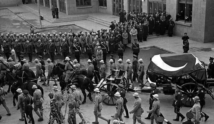 Ulu önder Mustafa Kemal Atatürk'ün cenazesi töreninden fotoğraflar!