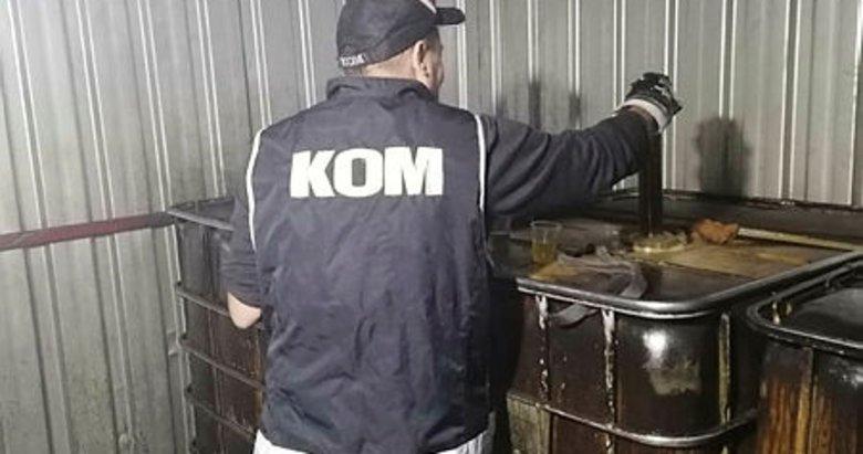 İzmir'de 13 bin 880 litre kaçak akaryakıt ve madeni yağ ele geçirildi