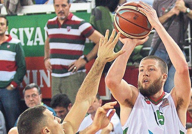 twitter gplus Tahincioğlu Basketbol Süper Ligi'nde seyircisi önünde Eskişehir Basket'i ağırlayan Pınar Karşıyaka, rakibine 74-70 yenildi ve düşme hattından çıkamadı.
