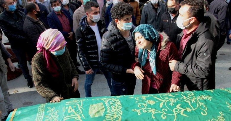 Manisa'da öldürülen 4 arkadaş toprağa verildi