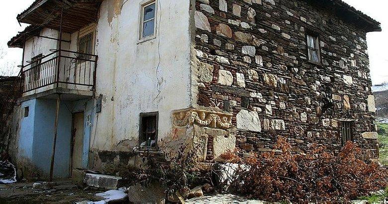 Ev duvarındaki tarihi eser müzeye taşınacak! Roma döneminden kalma...