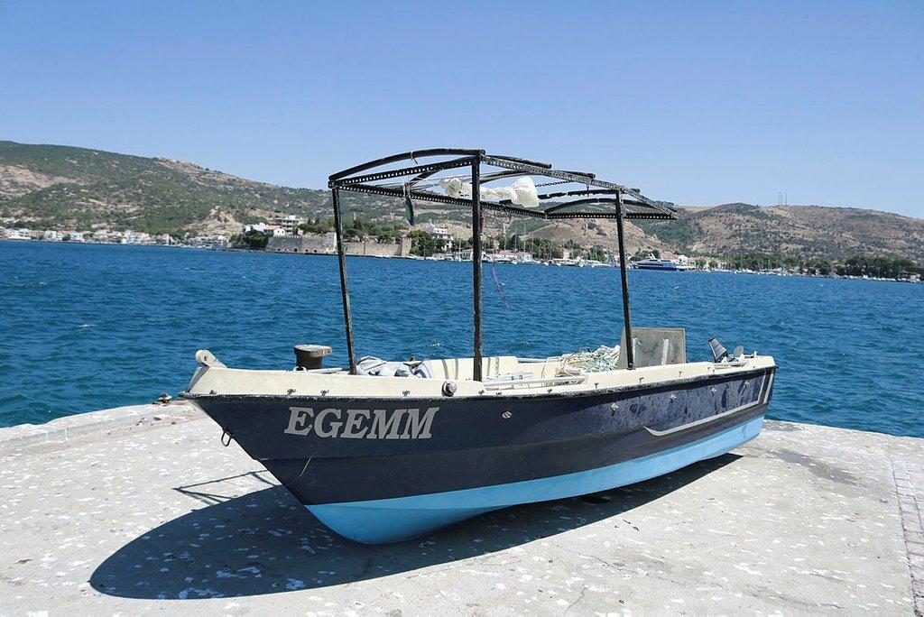 Foça'da tekne faciasında kaybolan Sarp hala bulunamadı