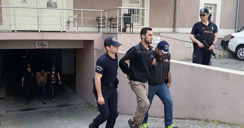 İzmirde yakalanan sözde komutan adliyede