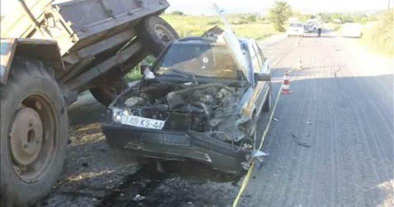 Kaza yapan araç öyle bir hale geldi ki...