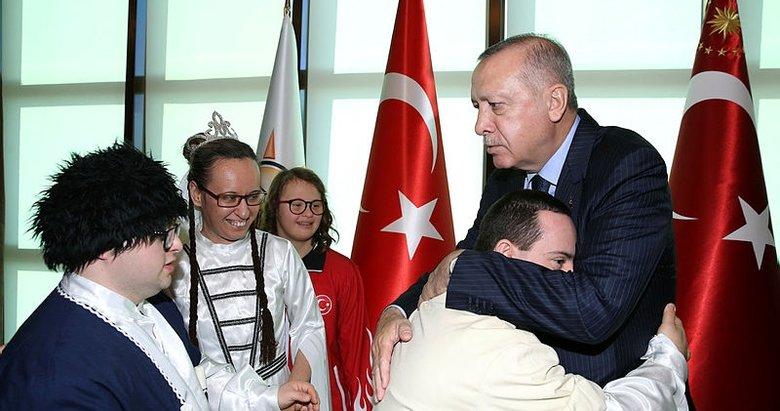 Başkan Recep Tayyip Erdoğan, engelli vatandaşları kabul etti
