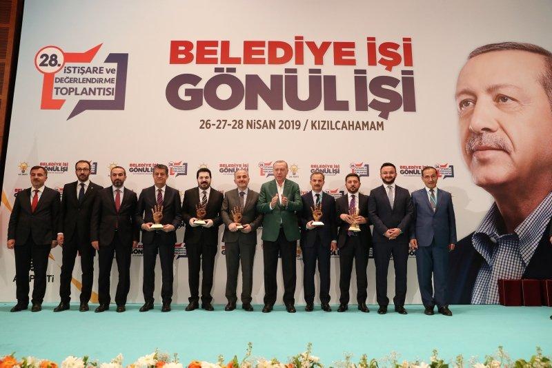 Başkan Erdoğan'dan o isimlere ödül