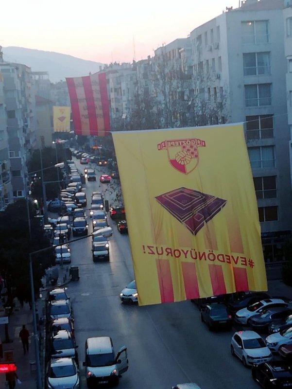 Göztepe'de heyecan dorukta! Taraftar dev bayraklarla süsledi