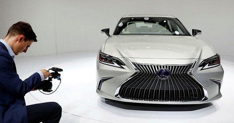 Lexus, lüks ES yenilenerk döndü