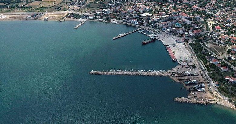 Müsilaj Türkiye'nin en büyük adası Gökçeada'nın kıyılarında büyük ölçüde etkisini yitirdi