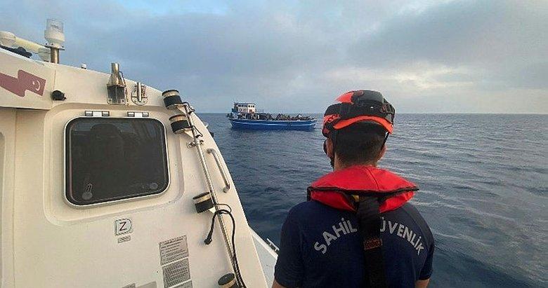 Balıkçı teknesinde 191 sığınmacı yakalandı