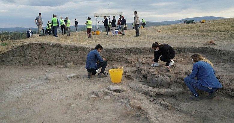8 bin yıllık geçmişe ışık tutacak! Tavşanlı Höyük'te ilk kazı başladı