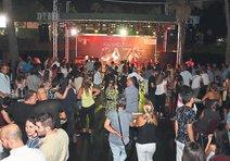 İzmir Fuarı'nda her akşam bir konser