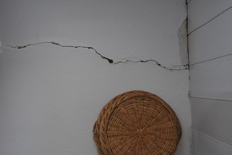 Manisa'da artçılar sürüyor! Bakan Kurum, deprem bölgesinde incelemelerde bulundu