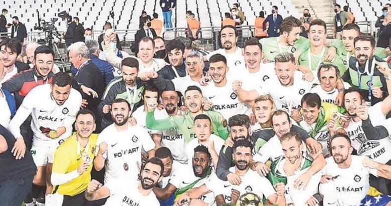 İzmir olarak kulüplerimizle gurur duyduk
