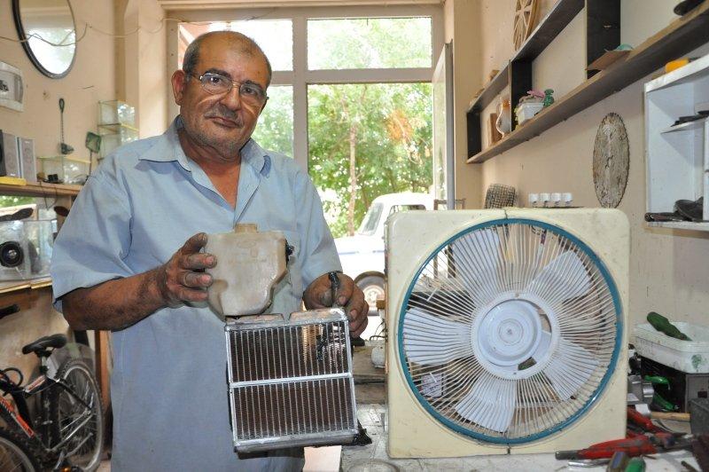 Sıcaktan bunaldı, otomobil radyatörüyle vantilatörü birleştirerek klima yaptı