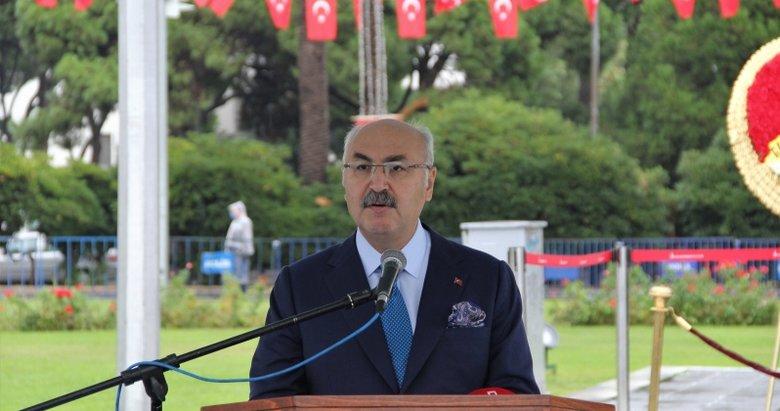 İzmir Valisi Köşger'in koronavirüs testi pozitif çıktı