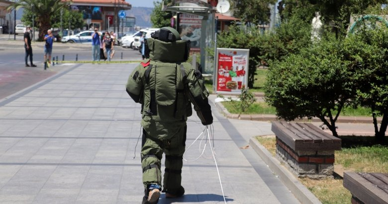 Çanakkale'de hareketli anlar! Durağa bırakılan valiz korku yarattı
