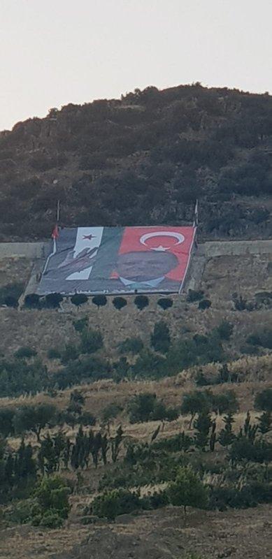 Darmık Dağı'nda Erdoğan posteri