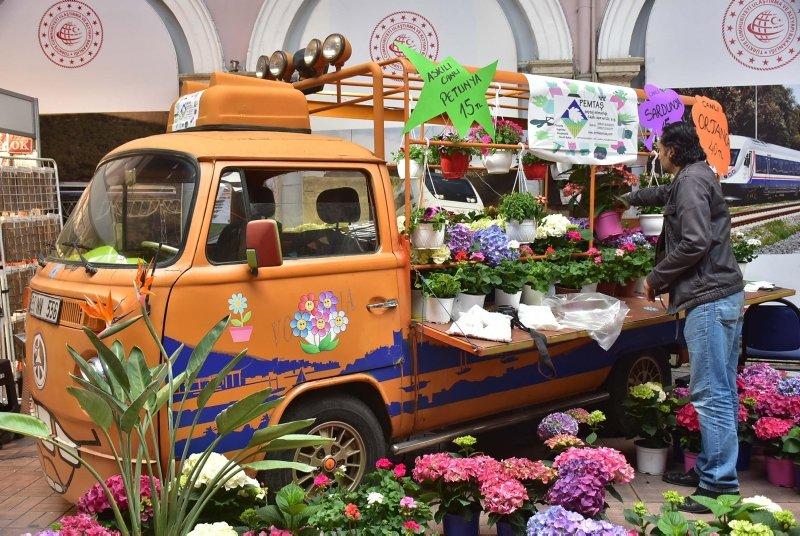 İzmir Retro Festivali'ne yoğun ilgi
