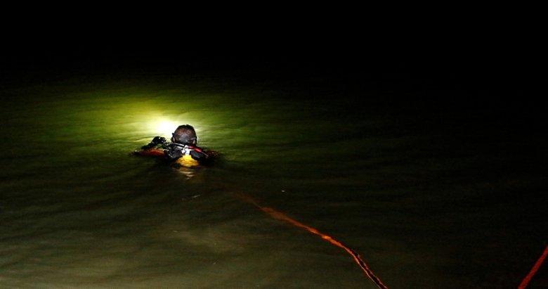 Manisa'da feci ölüm! Serinlemek için gölete giren itfaiye eri olta misinalarına takılarak boğuldu