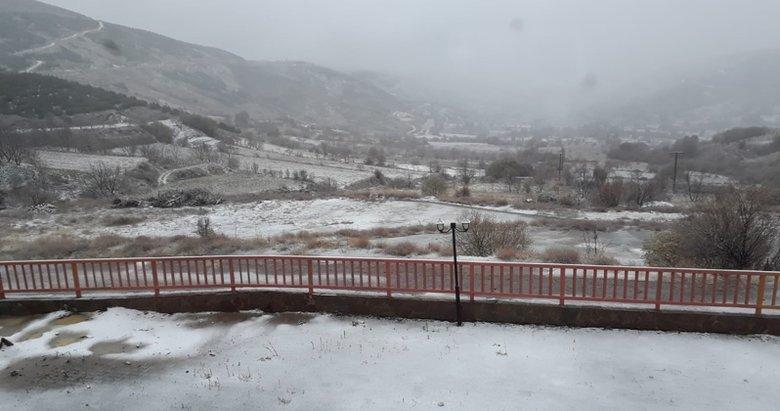 İzmir'de kar sürprizi! Ödemiş Bozdağ'a mevsimin il karı düştü