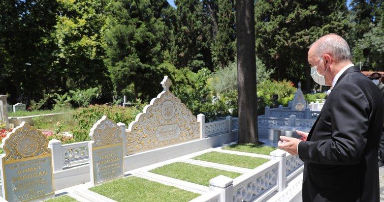 Başkan Erdoğan anne ve babasının mezarını ziyaret etti