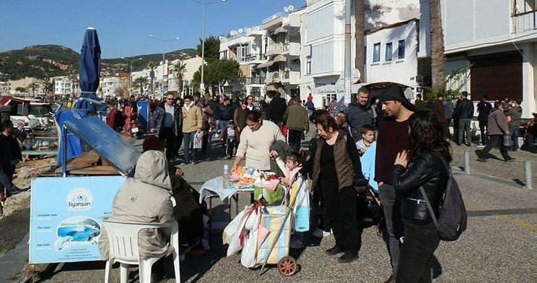 İzmir Foça'da şubat güneşi! Vatandaşlar akın etti