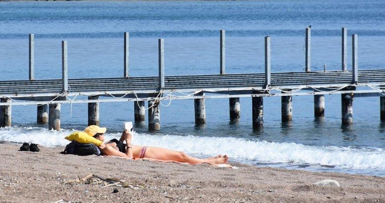 Marmaris'te güneşi gören sahile koştu