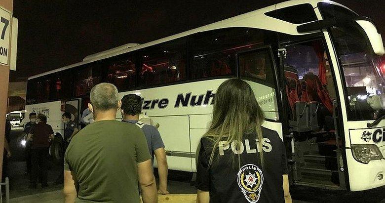 İzmir - Şırnak otobüsünde akılalmaz olay! Şoför hemen kapıyı kilitledi