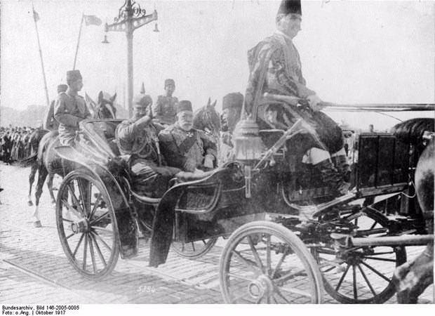 İşte eski İstanbul'dan hiç görmediğiniz kareler! Osmanlı padişahlarının özel kareleri...