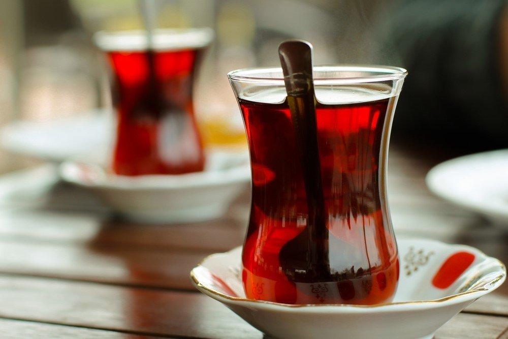 Çayın yanlış tüketimiyle gelen risklere dikkat