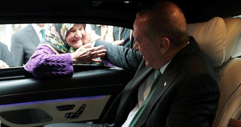 Başkan Erdoğan ile yaşlı teyzenin gülümseten sohbeti