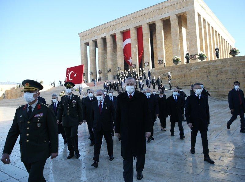 Büyük Önder Atatürk için Anıtkabir'de devlet töreni düzenlendi