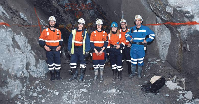 Madene kadın eli değdi