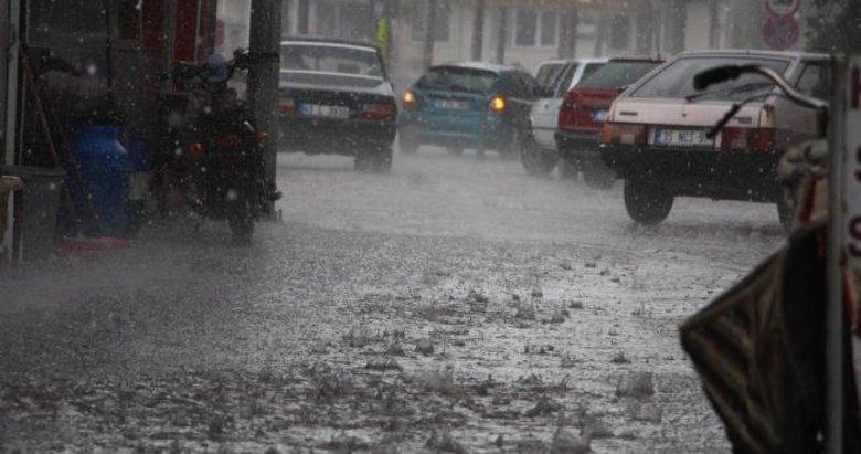 Meteoroloji'den Manisa için kuvvetli yağış ve fırtına uyarısı