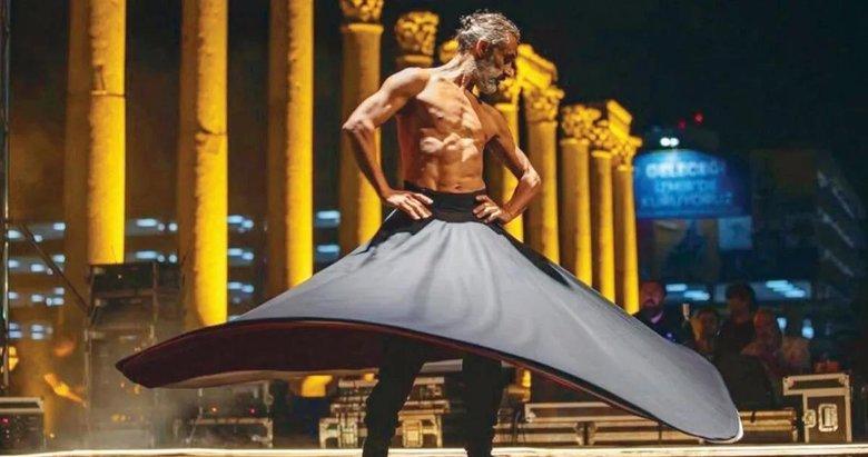 Çıplak semazen ney ve oyun havasında dans etti! İzmir Büyükşehir Belediyesi'ne tepki yağıyor