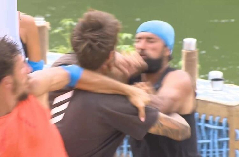 Survivor'da Barış Murat Yağcı ile Yasin Obuz birbirine girdi