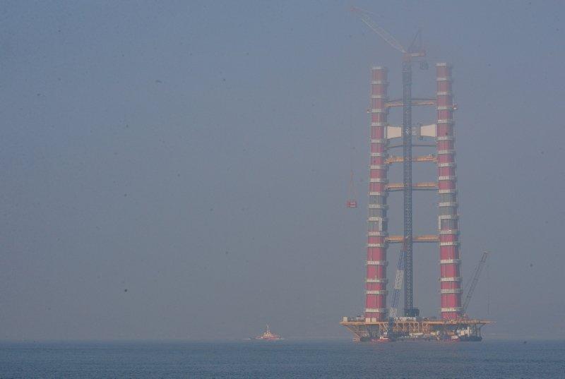 1915 Çanakkale Köprüsü'nde önemli detay! Kırmızı beyaz kulelerin...