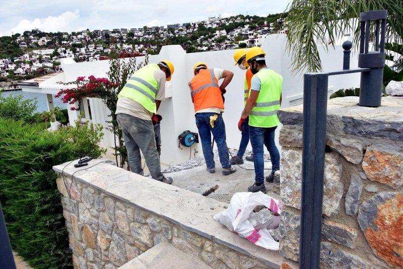 Yılmaz Özdil'in kaçak villasında çalışmalar devam ediyor! Parça parça yıkılıyor