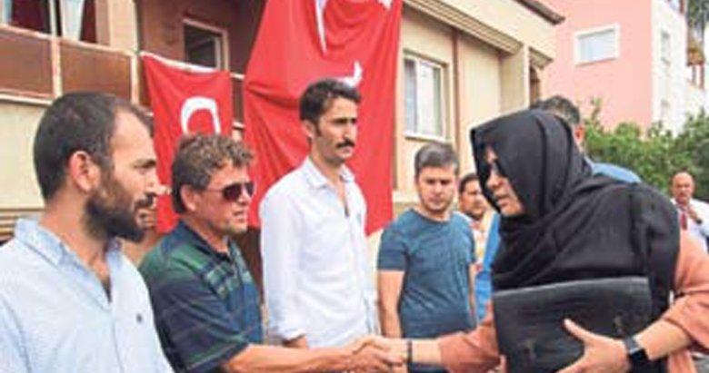 Türkiye acıda birleşti
